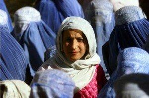 D'un regard l'autre... dans AU FIL DU TEMPS... 2 Kaboul-Afghanistan-2001-300x198